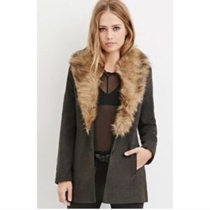 Forever 21 Faux Fur Collar Pea Coat